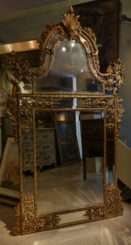 Antiquités - Very large gilt wood Regency period mirror, France, circa 1720