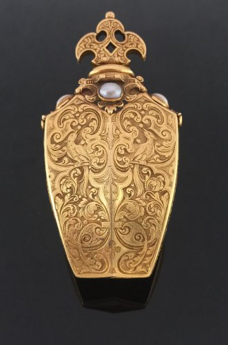 Gold bottle, early 19th century -