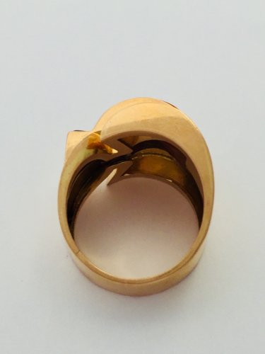Antique Jewellery  - Modernist Ring Circa 1940