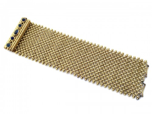 Cuff bracelet in gold and sapphires around 1940