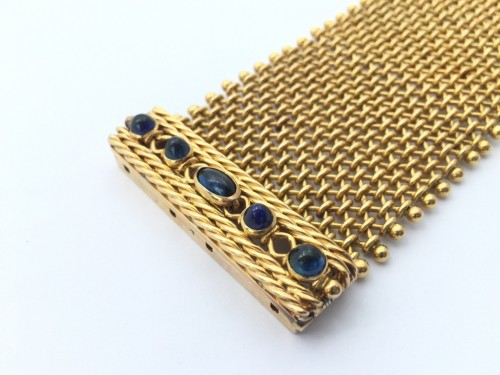 Antique Jewellery  - Cuff bracelet in gold and sapphires around 1940
