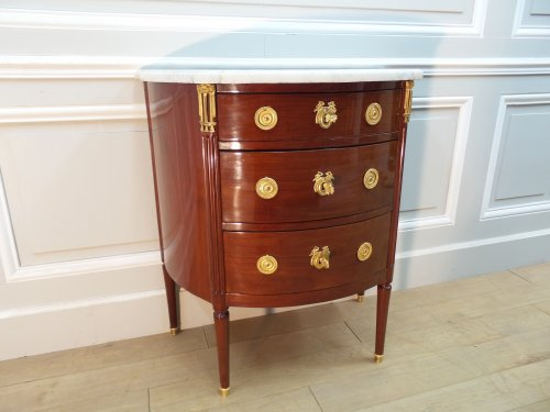 Commode demi-lune Estampillée SCHEY