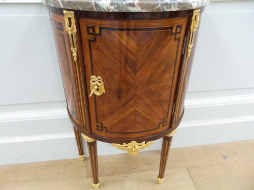 Mobilier Commode - Petite commode Louis XVI