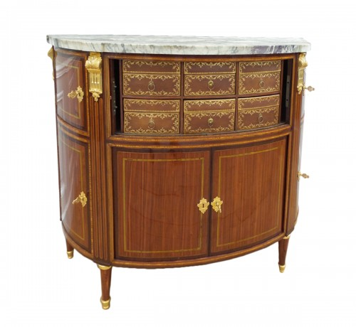 Commode demi-lune, estampillée P.GARNIER
