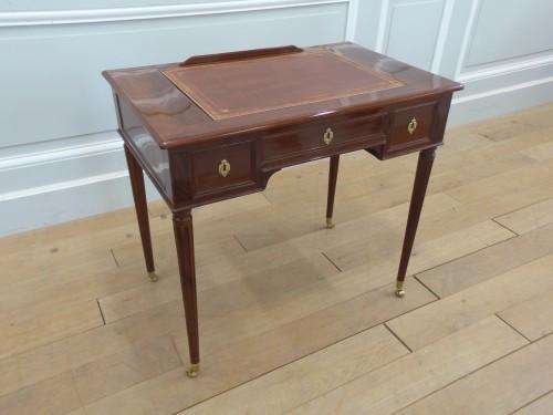French Louis XVI desk stamped Gaspard Schneider - Furniture Style Louis XVI