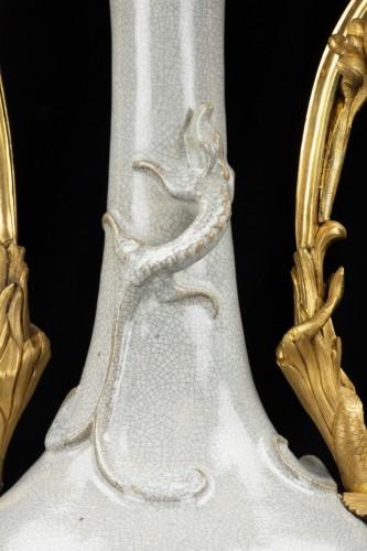 Antiquités - Vase celadon with bronzes