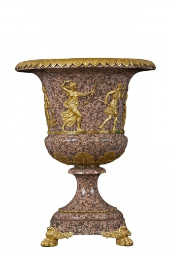 Vase in Swedish porphyry