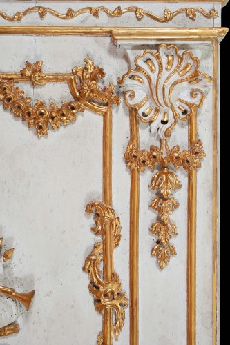 Mirrors, Trumeau  - Pair of carved, laquered and gilded wooden mirrors