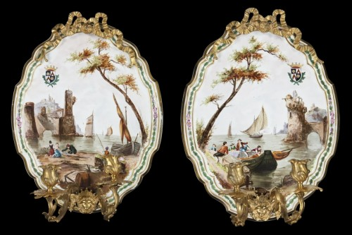 - Pair of appliques in painted porcelaine and gilde bronzes