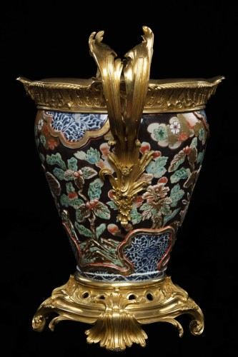 Vase in polychrome porcelain and bronze - Decorative Objects Style
