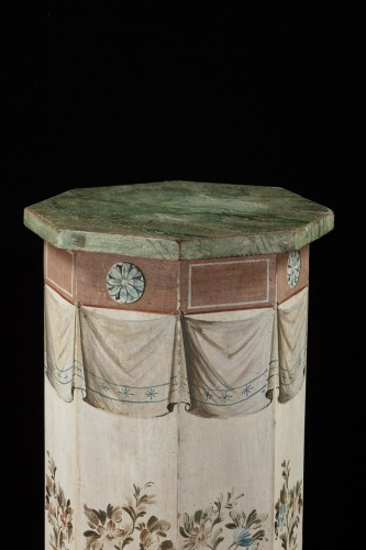 Pair of octagonal column  -