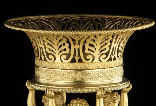 Decorative Objects  - Centerpiece attributed to P.P. Thomire