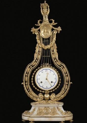 "Lira clock ""Robert & Courvoisier  - Clocks Style Louis XVI"
