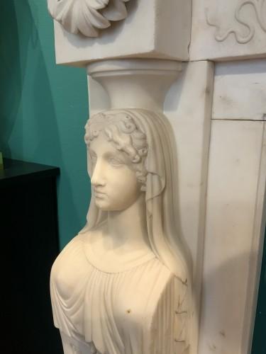 - Neoclassical Italia Fireplace
