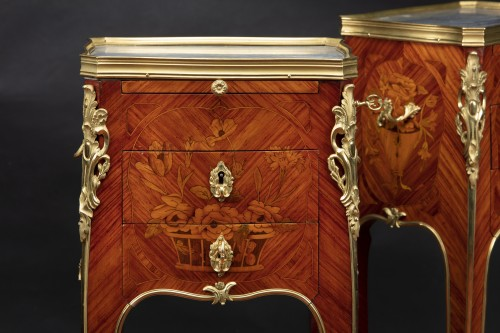 19th century - Pair of bedside tables