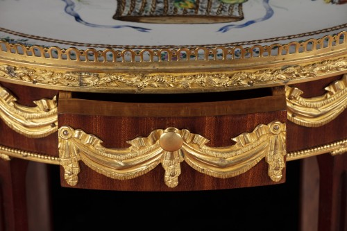Antiquités - A late 19th century table