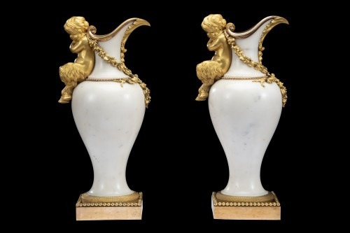 Pair ewers attr. to' Pierre Gouthiére - Decorative Objects Style Louis XVI