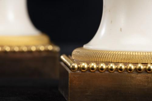 Antiquités - Pair ewers attr. to' Pierre Gouthiére