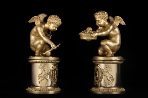 Decorative Objects  - Pair of bronze Putti