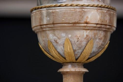 18th century - Vases in alabaster and bronze