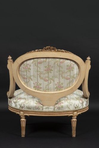 1 sofa and 2 marquise -