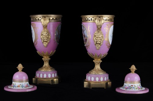 Pair porcelain and bronze vases -