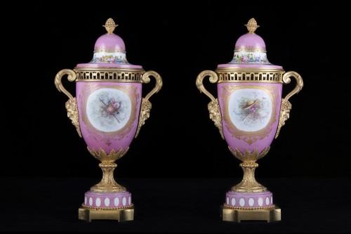 19th century - Pair porcelain and bronze vases