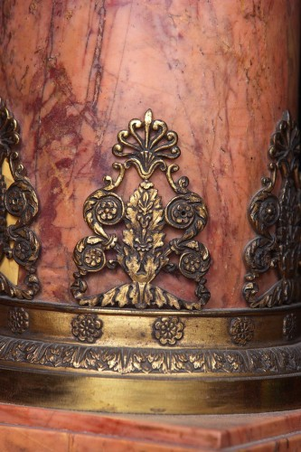 Column in pink marble -