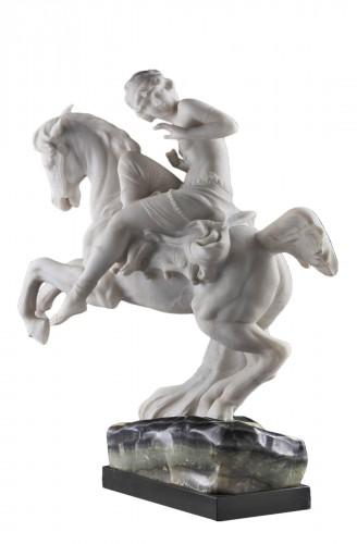 Sculpture Odalisque on horseback