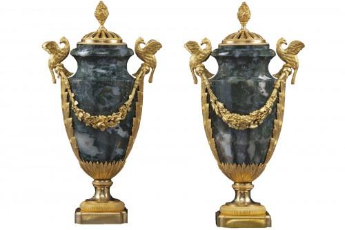 Pair vases in Urals jasper stone and bronzes
