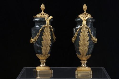 Pair vases in Urals jasper stone and bronzes -
