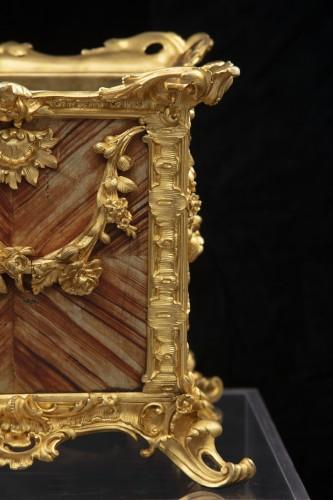 Decorative Objects  - Plantare in bronze