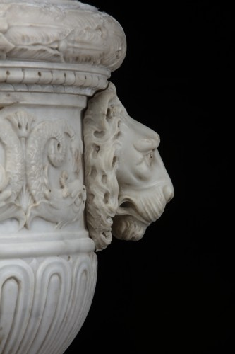 Decorative Objects  - Vase in white statuary marble