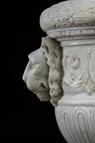 - Vase in white statuary marble