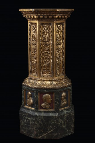 Column in painted terracotta -
