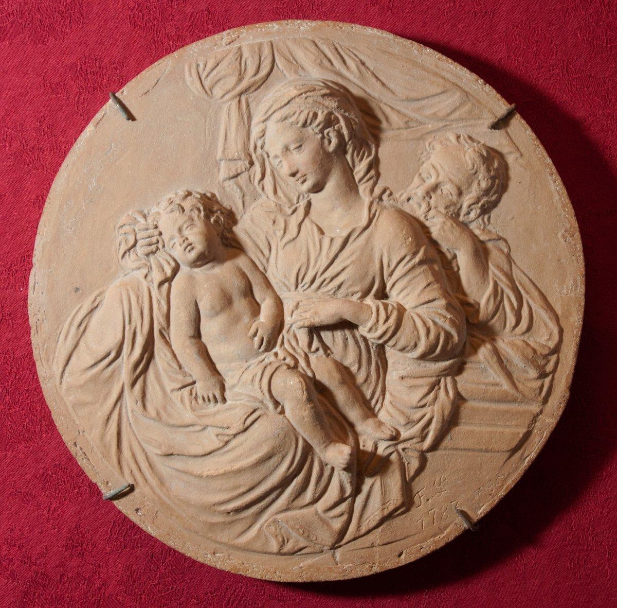 Tondo en terre cuite repr sentant la sainte famille 1783 xviiie si cle - Symbole representant la famille ...
