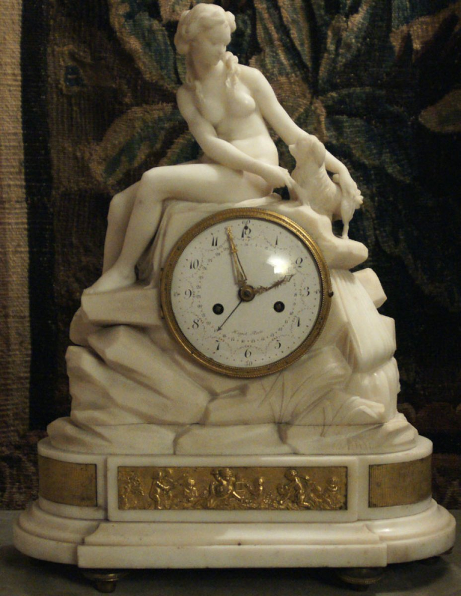 pendule en marbre blanc circa 1780 1790 attribu e broche xviiie si cle. Black Bedroom Furniture Sets. Home Design Ideas