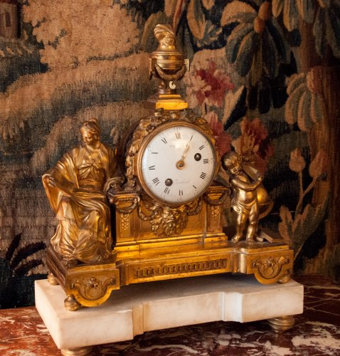 Large gilt bronze Louis XVI mantelclock
