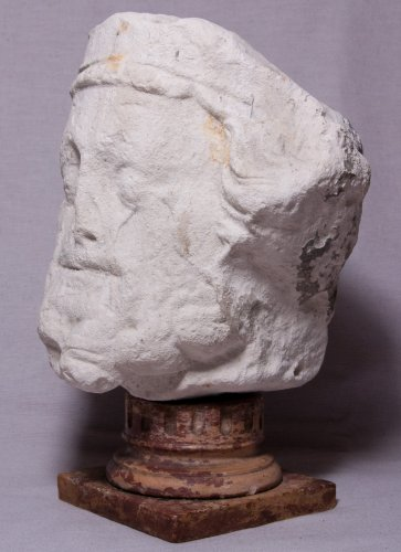 Crowned king's head, 14th century - Sculpture Style Middle age