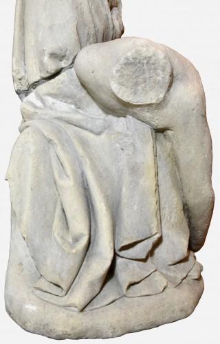 16th century - 15th century limestone Pieta