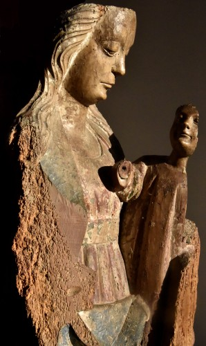 Middle age - Madonna and Child in walnut from the second half of the 15th century