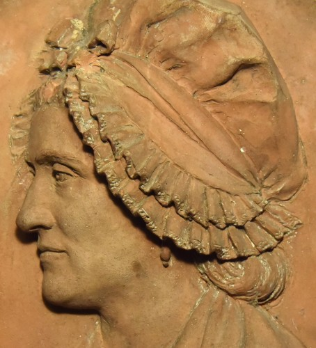 Sculpture  -  Revolutionary period medallion representing a woman in a bonnet, 1792