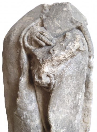 Antiquités - Limestone statuette of a mourner, Burgundy 15th century