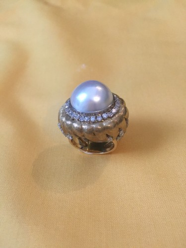 Ring with a MABE pearl and diamonds . - Antique Jewellery Style