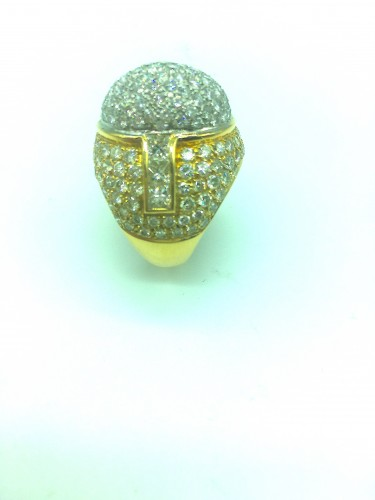 Gorgeous gold diamonds ring -
