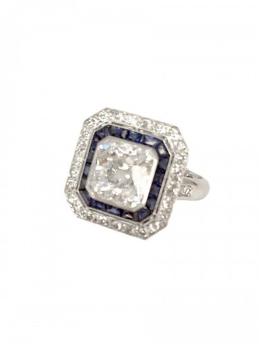 Art Deco platinum ring center cushion diamond