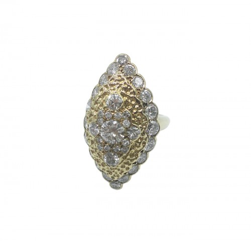 Van CLEEF  - Gold and Diamonds marquise ring