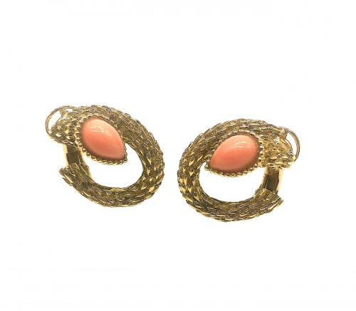 BOUCHERON - Gold and coral ear clips  .1970 's