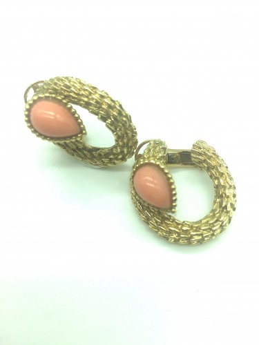 BOUCHERON - Gold and coral ear clips  .1970 's - Antique Jewellery Style