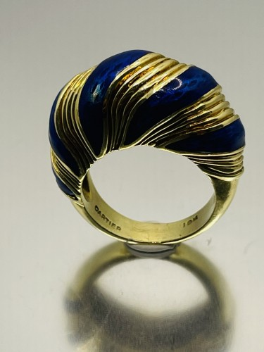Gold and blue enamel  ring by CARTIER  - Antique Jewellery Style